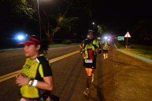 night-running-runners-wearing-their-safety-gears